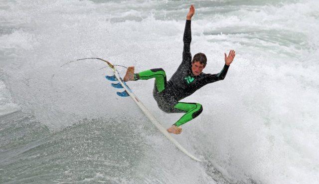 Lunasurf summer wetsuit 3/2 lunasurf ambassador eric ramsey california